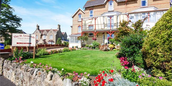 Guide Price £450,000, 7 Bedroom Semi Detached House For Sale in Shanklin, PO37