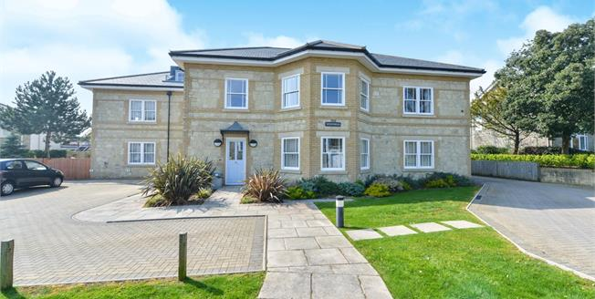 Asking Price £140,000, 1 Bedroom Flat For Sale in Shanklin, PO37