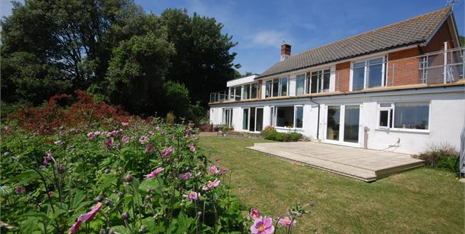 Asking Price £550,000, 5 Bedroom Detached House For Sale in Ventnor, PO38