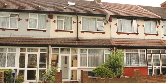 Guide Price £440,000, 4 Bedroom House For Sale in Purley Way, CR0
