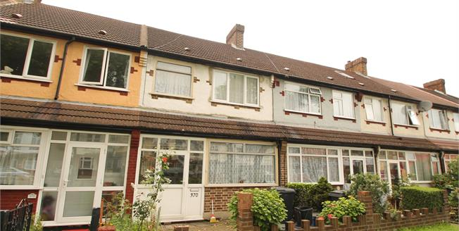 Guide Price £400,000, 3 Bedroom House For Sale in Purley Way, CR0