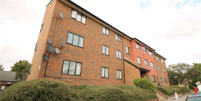 Offers in excess of £180,000, 1 Bedroom Flat For Sale in Croydon, CR0