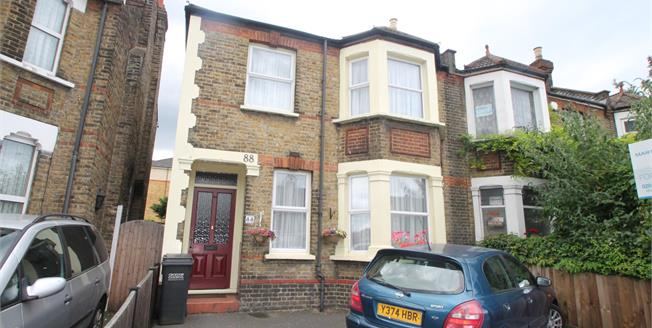 Asking Price £487,500, 4 Bedroom Semi Detached House For Sale in South Croydon, CR2