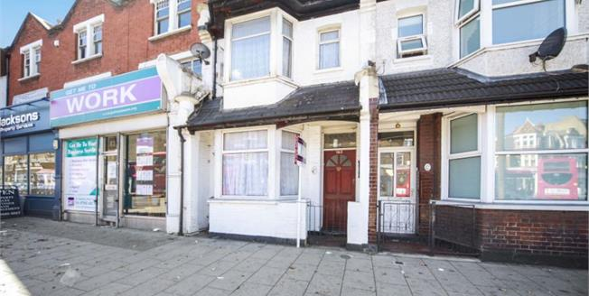 Offers in excess of £375,000, 3 Bedroom For Sale in Croydon, CR0