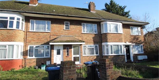 Guide Price £200,000, 2 Bedroom Maisonette For Sale in Croydon, CR0