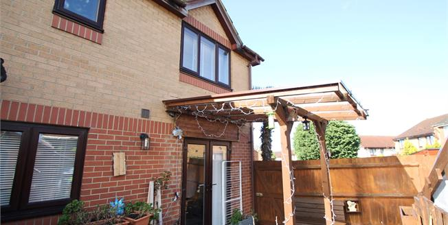 Offers in excess of £275,000, For Sale in Croydon, CR0