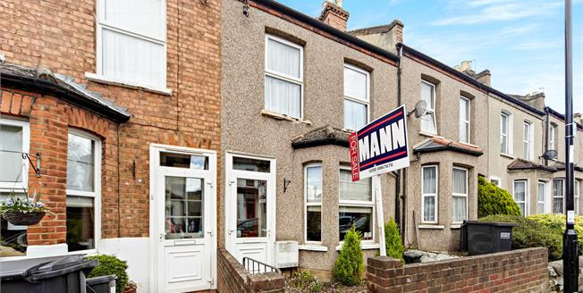 Asking Price £350,000, 3 Bedroom Terraced House For Sale in South Croydon, CR2