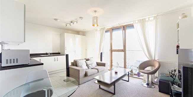 Asking Price £300,000, 1 Bedroom Flat For Sale in Croydon, CR0