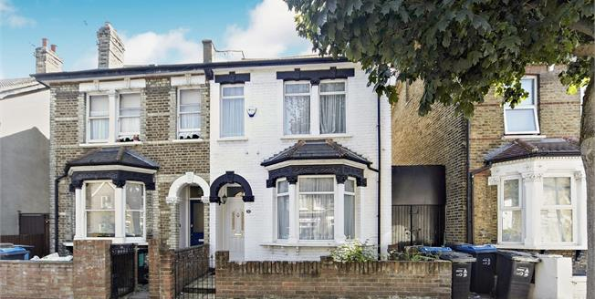 Offers in excess of £425,000, 3 Bedroom Semi Detached House For Sale in Croydon, CR0