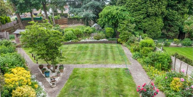 Offers in excess of £550,000, 4 Bedroom Detached House For Sale in Redhill, RH1