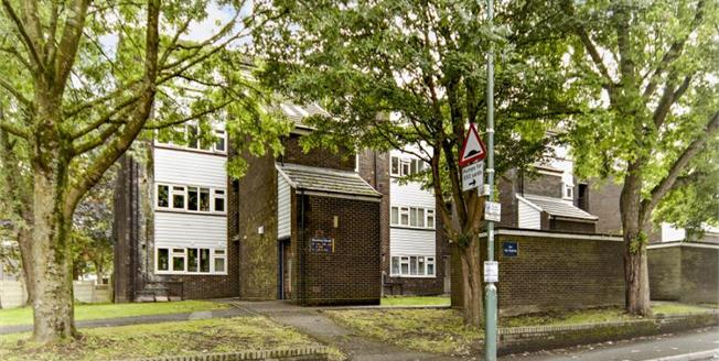 £299,950, 3 Bedroom Flat For Sale in Sutton, SM1