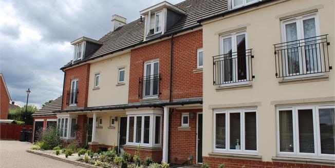 £495,000, 4 Bedroom Terraced House For Sale in Woking, GU22