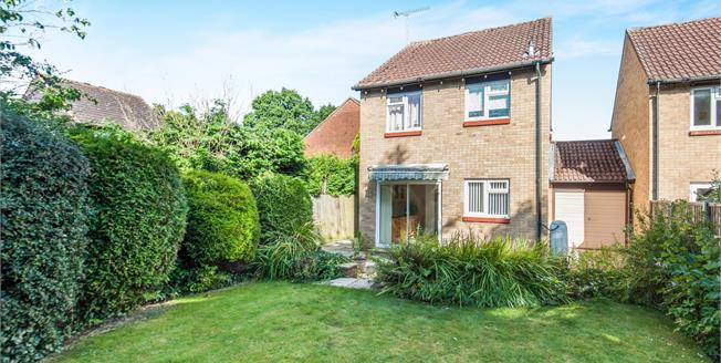 Offers in excess of £450,000, 3 Bedroom Link Detached House For Sale in Woking, GU21