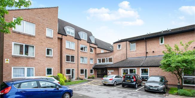 Guide Price £69,950, 1 Bedroom Flat For Sale in Woking, GU22