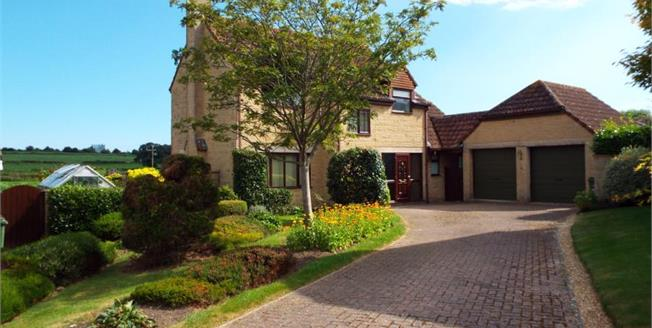 £410,000, 4 Bedroom Detached House For Sale in South Petherton, TA13