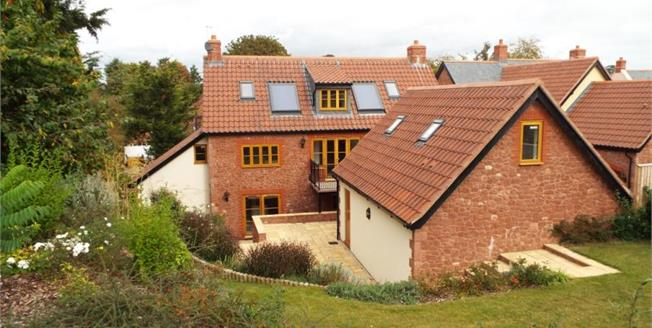 £525,000, 6 Bedroom Detached House For Sale in North Newton, TA7