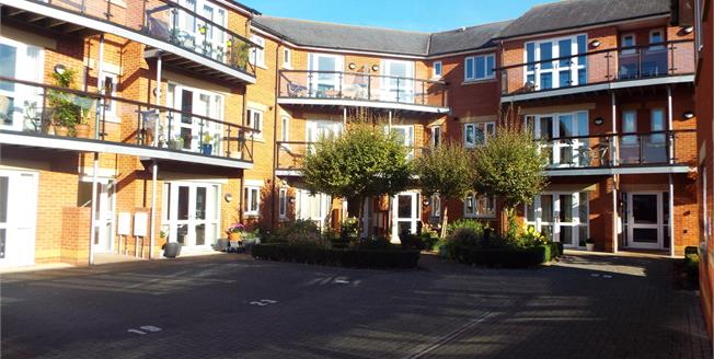 Offers in excess of £210,000, 2 Bedroom Flat For Sale in Taunton, TA1