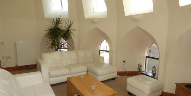 £175,000, 2 Bedroom Flat For Sale in Weston Super Mare, BS23