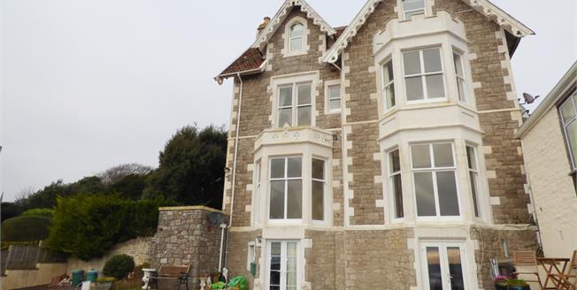 Asking Price £174,950, 2 Bedroom Flat For Sale in Weston-Super-Mare, BS23