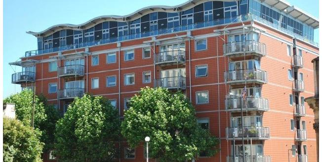 Offers in the region of £399,950, 2 Bedroom Flat For Sale in Bristol, BS1