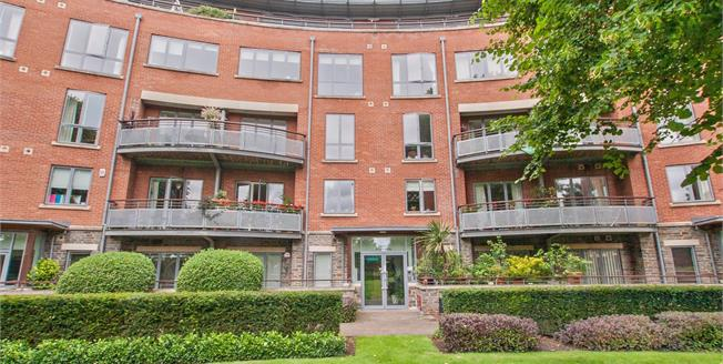 Asking Price £430,000, 2 Bedroom Flat For Sale in Bristol, BS6