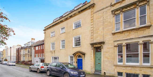 Asking Price £320,000, 2 Bedroom Flat For Sale in Bristol, BS6