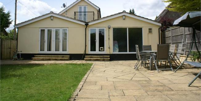 Guide Price £825,000, 6 Bedroom Detached House For Sale in Bristol, BS9