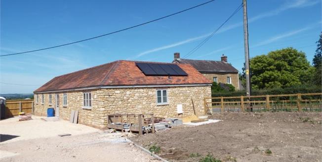 £375,000, 2 Bedroom Detached Bungalow For Sale in Gillingham, SP8