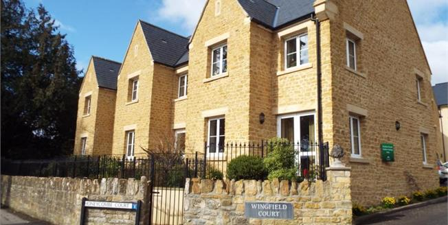 Guide Price £135,000, 1 Bedroom Upper Floor Flat For Sale in Sherborne, DT9