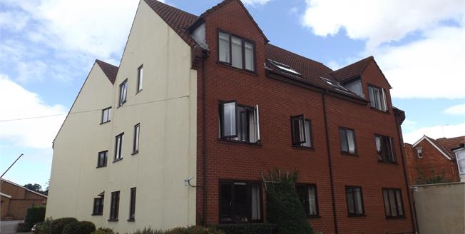 Offers in the region of £50,000, 1 Bedroom Flat For Sale in Yeovil, BA21