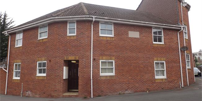 Offers in excess of £80,000, 1 Bedroom Flat For Sale in Yeovil, BA20