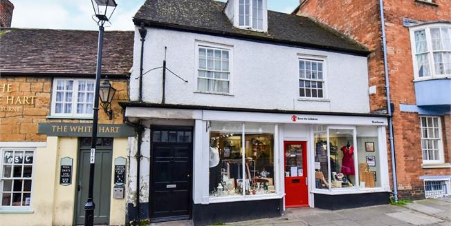 Asking Price £160,000, 3 Bedroom Flat For Sale in Sherborne, DT9