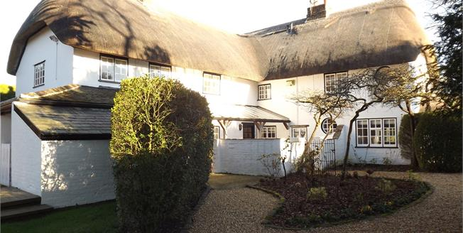 £1,150,000, 4 Bedroom Detached Cottage For Sale in Burton, BH23