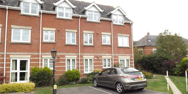 Asking Price £115,000, 1 Bedroom Flat For Sale in Christchurch, BH23