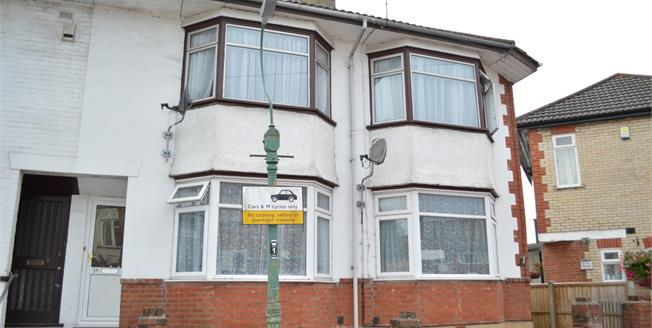 Asking Price £155,000, 3 Bedroom Flat For Sale in Bournemouth, BH11