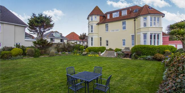 Guide Price £265,000, 2 Bedroom Flat For Sale in Bournemouth, BH6