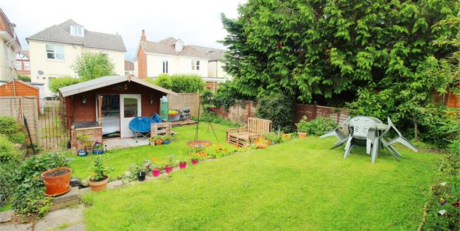 Asking Price £190,000, 1 Bedroom Flat For Sale in Bournemouth, BH5