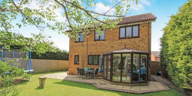 Offers Over £400,000, 4 Bedroom Detached House For Sale in Poole, BH12