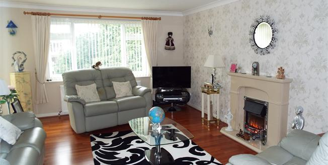 Asking Price £350,000, 3 Bedroom Flat For Sale in Poole, BH13