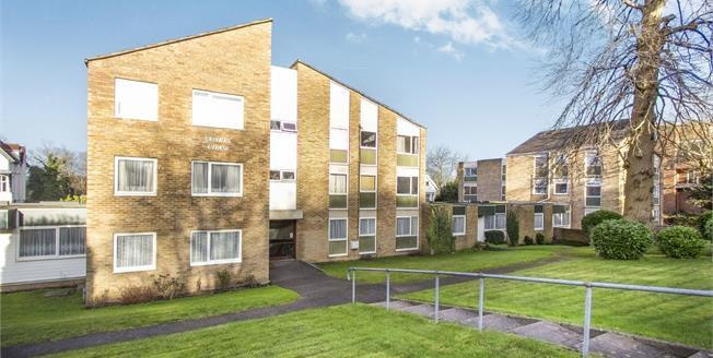 Asking Price £169,950, 2 Bedroom Flat For Sale in Bournemouth, BH4