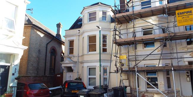 Asking Price £199,950, 3 Bedroom Flat For Sale in Bournemouth, BH4