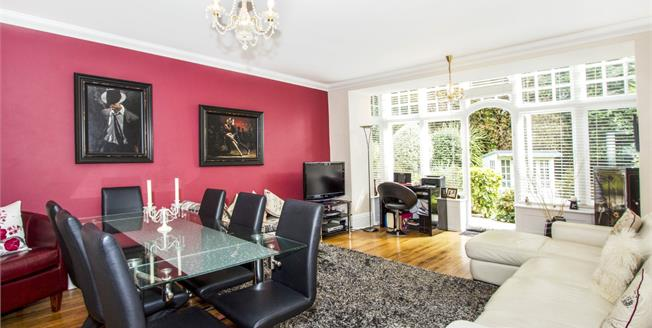 Asking Price £425,000, 3 Bedroom Flat For Sale in Bournemouth, BH4