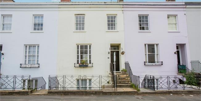 Guide Price £500,000, 4 Bedroom Town House For Sale in Cheltenham, GL53