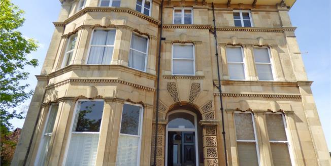 Guide Price £99,950, 1 Bedroom Upper Floor Flat For Sale in Cheltenham, GL50