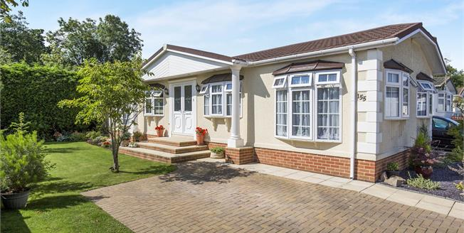 Guide Price £184,950, 3 Bedroom Detached Bungalow For Sale in Cheltenham, GL51