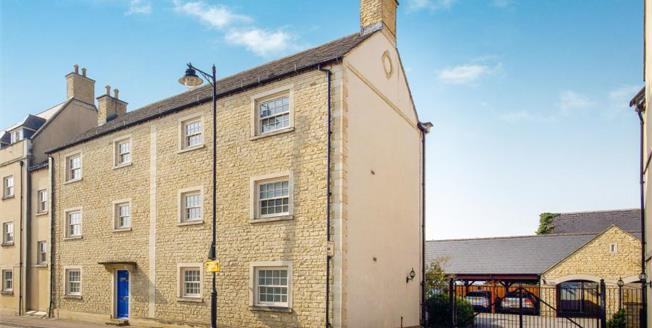 Offers Over £395,000, 3 Bedroom Ground Floor Flat For Sale in Tetbury, GL8
