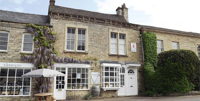 Asking Price £175,000, 2 Bedroom Flat For Sale in Tetbury, GL8