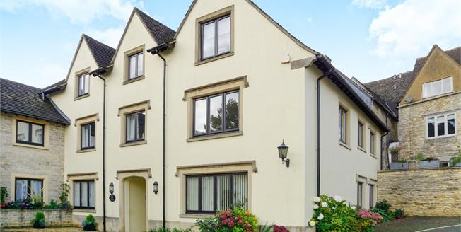 Offers in excess of £180,000, 2 Bedroom Flat For Sale in Tetbury, GL8