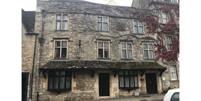 Guide Price £179,950, 2 Bedroom Flat For Sale in Tetbury, GL8