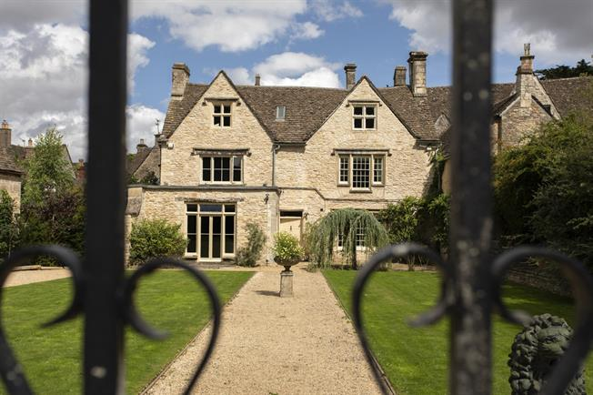 6 Bedroom House For Sale In Tetbury For Asking Price 1850000